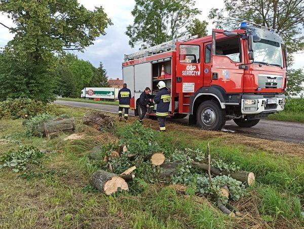 wóz strażacki podczas akcji
